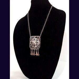 Vintage Lisner  Silvertone Necklace